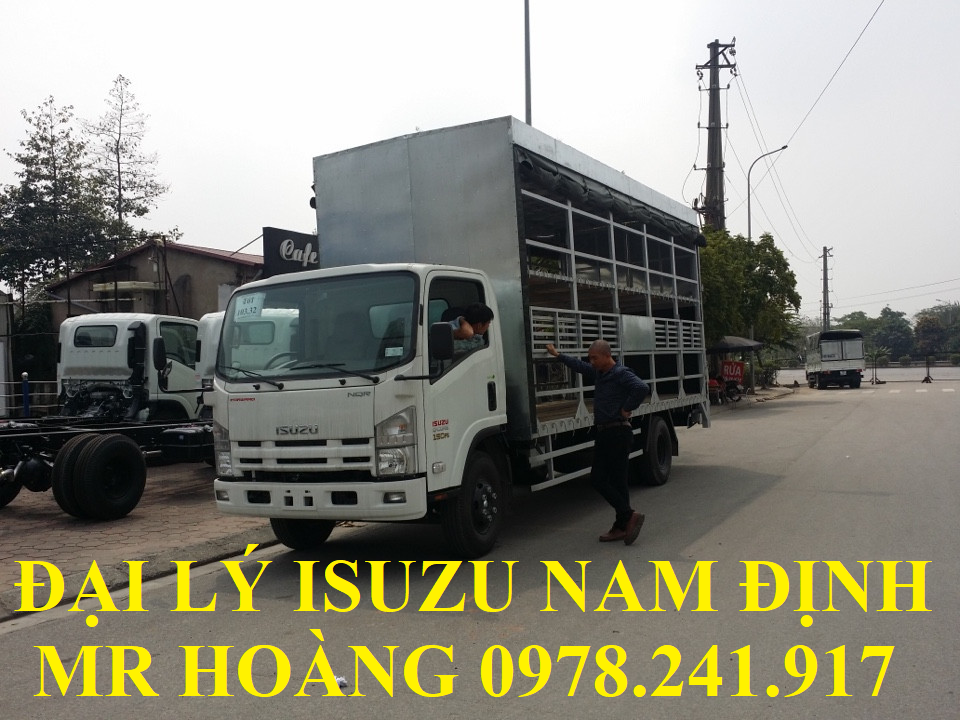 đại lý isuzu nam định bán xe tải isuzu 5 tấn thùng chở xe máy 2 tầng