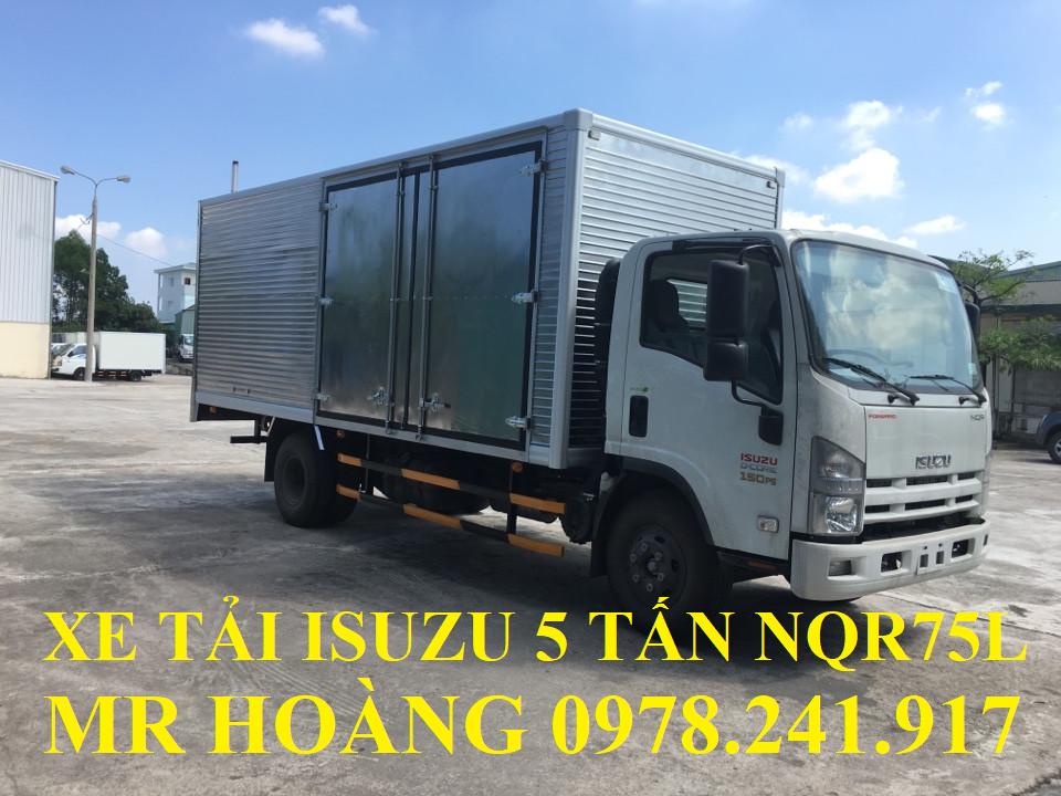 xe tải isuzu 5 tấn nqr75l thùng kín