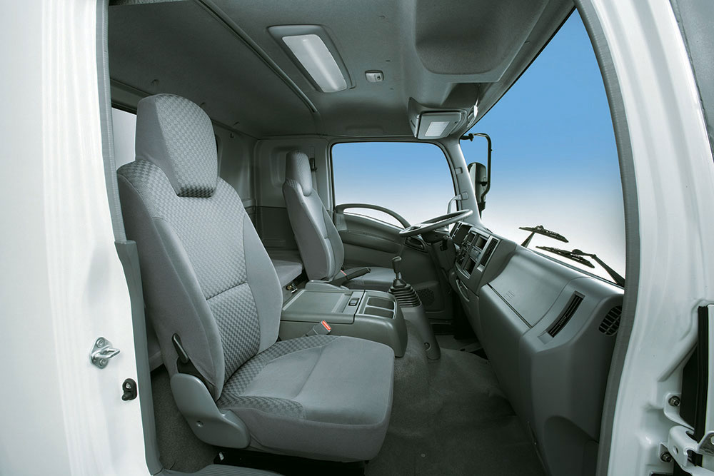 xe tải isuzu 6,2 tấn khoang lái cabin