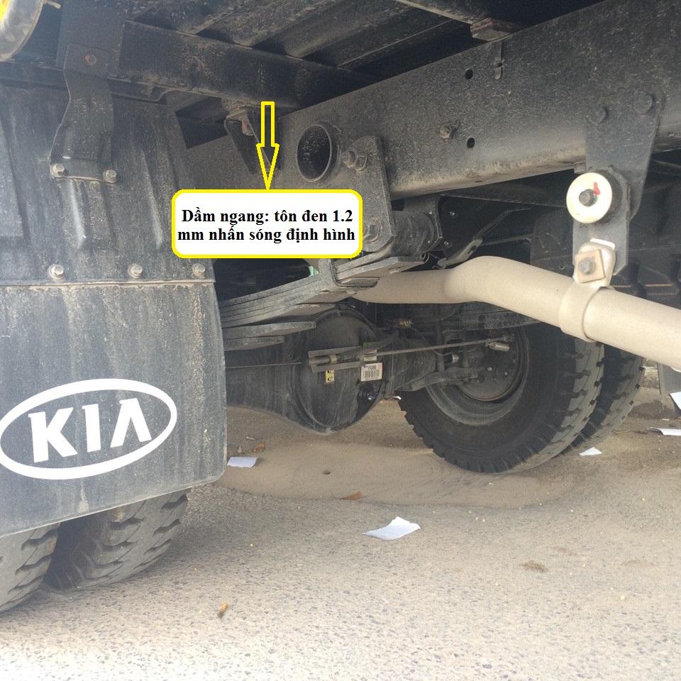 xe tải hyundai 6,4 tấn hd650 kết cấu thùng 3
