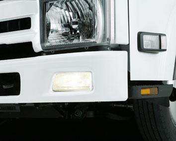 xe tải isuzu 6,5 tấn nâng tải nqr75m-16 đèn phá sương mù