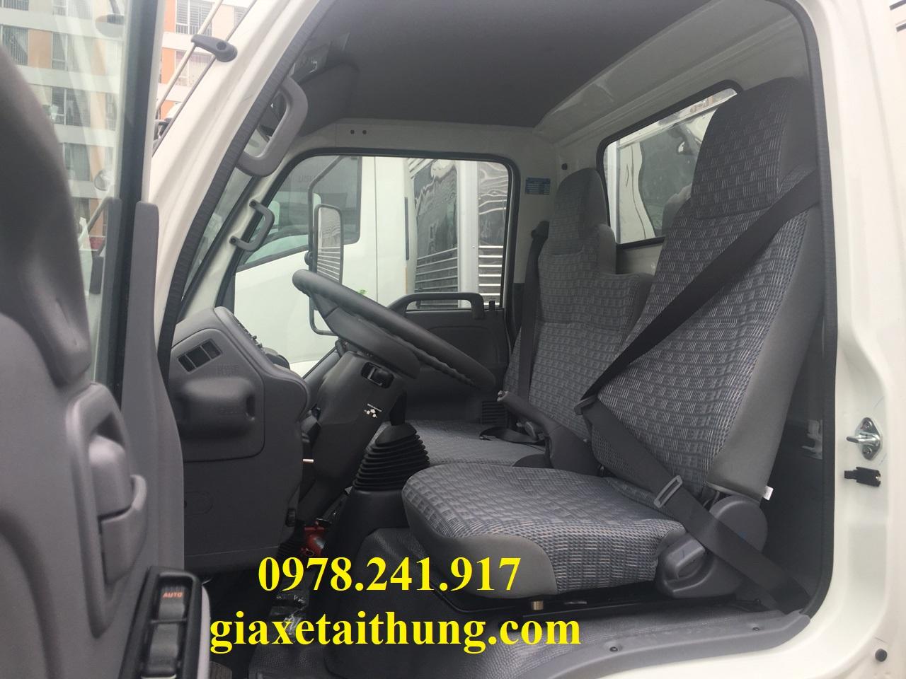 xe tải isuzu 1,1 tấn qkr77fe4, nội thất cabin