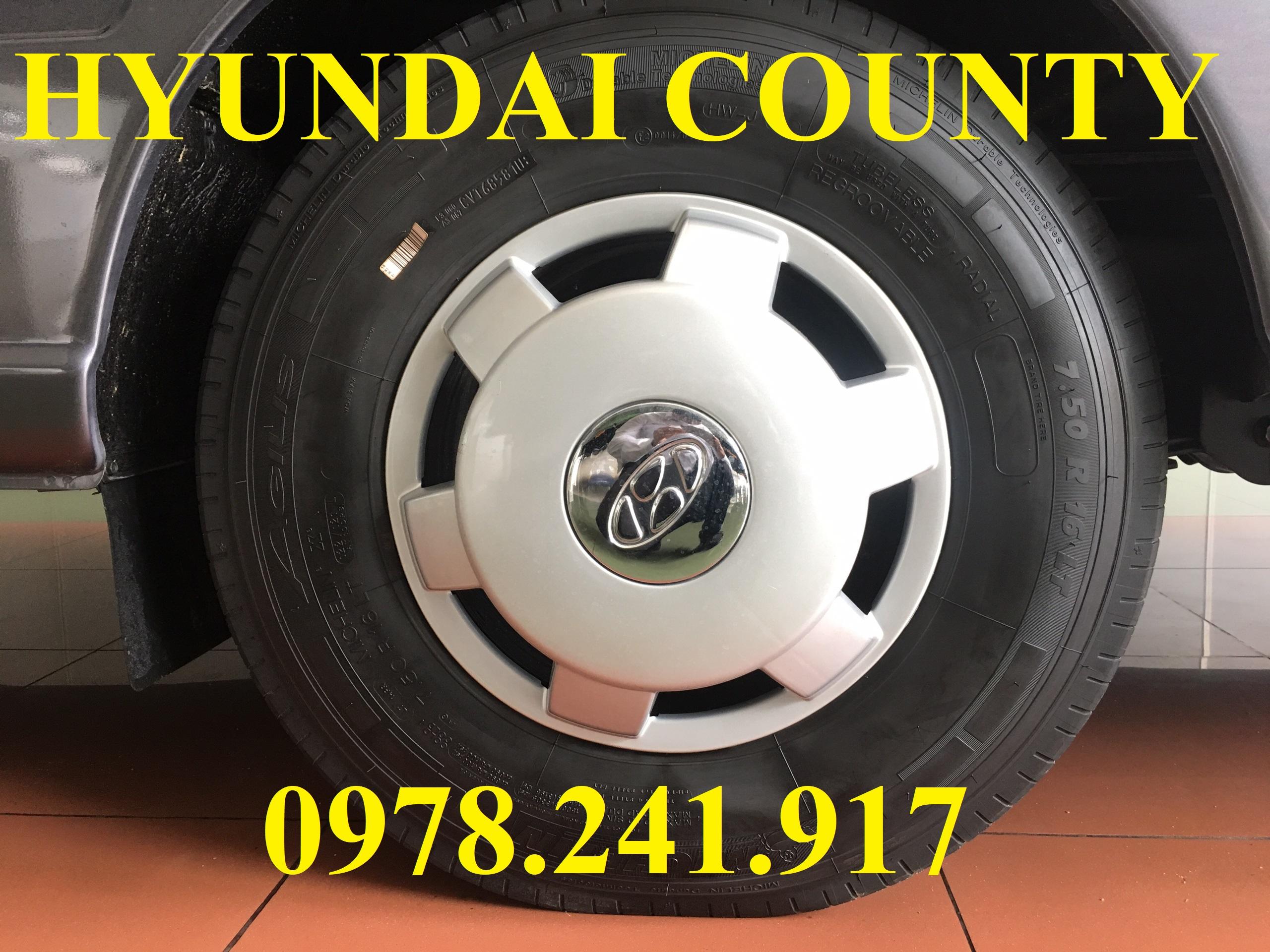 Hyundai county thành công thân dài