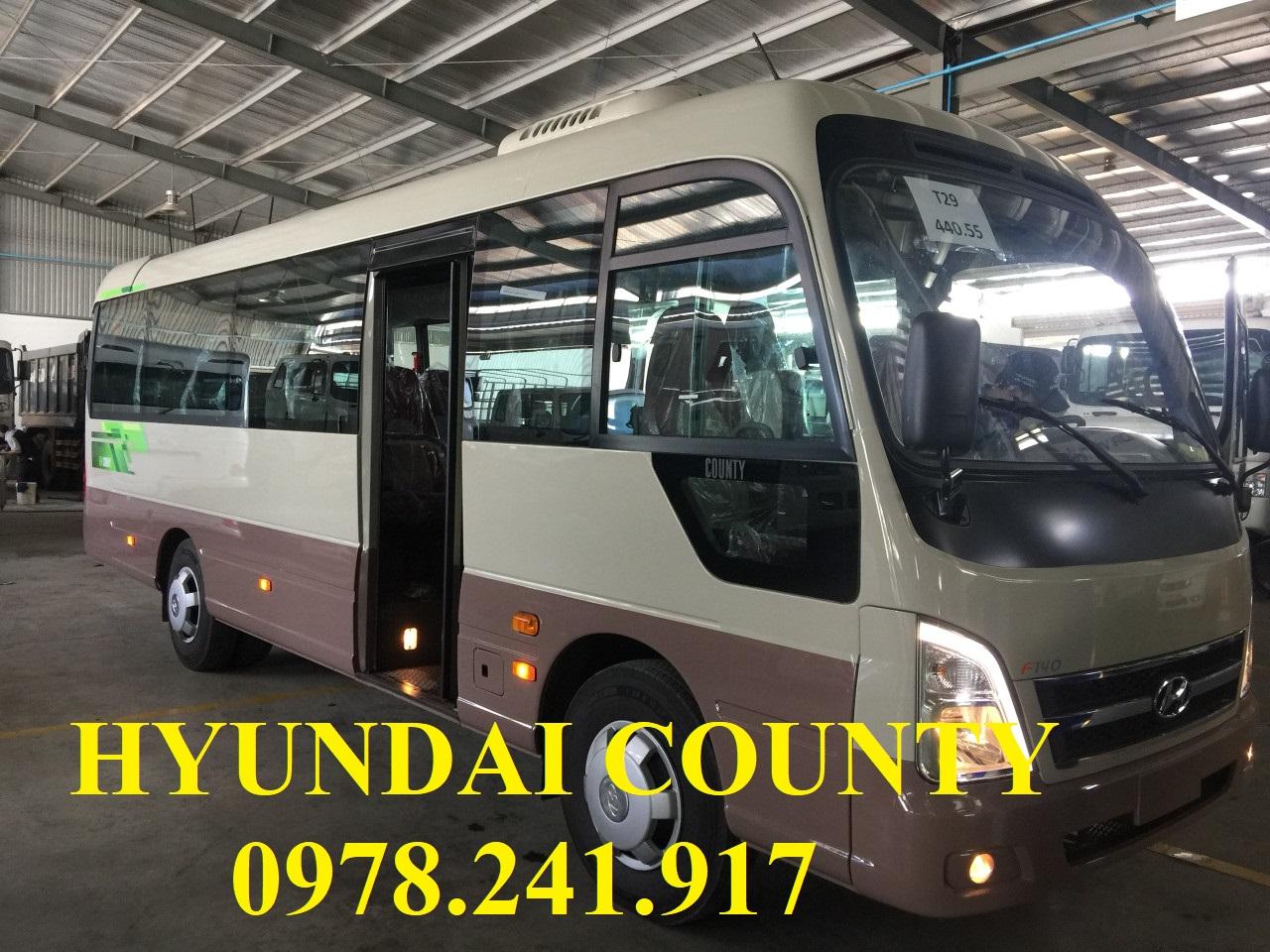 xe khách Hyundai county nhập khẩu