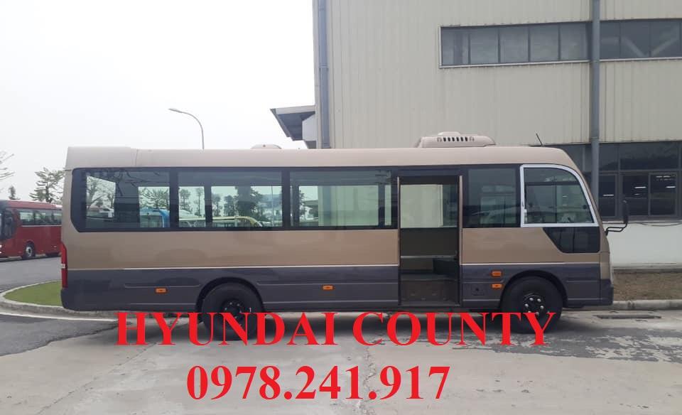 xe khách hyundai county thân dài