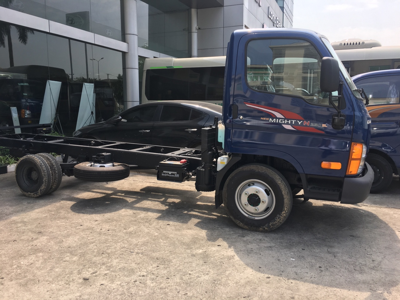 Xe tải Hyundai 2,5 tấn N250SL thùng siêu dài 4,4 m