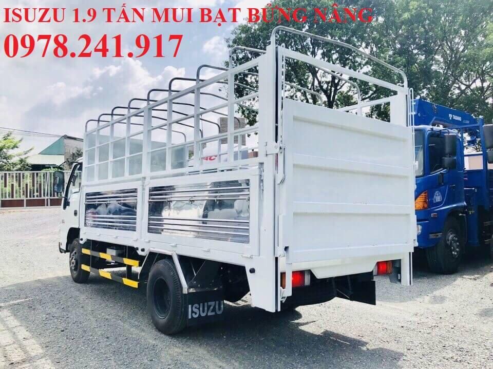 xe tải isuzu 1.9 tấn thùng mui bạt gắn bửng nâng hạ