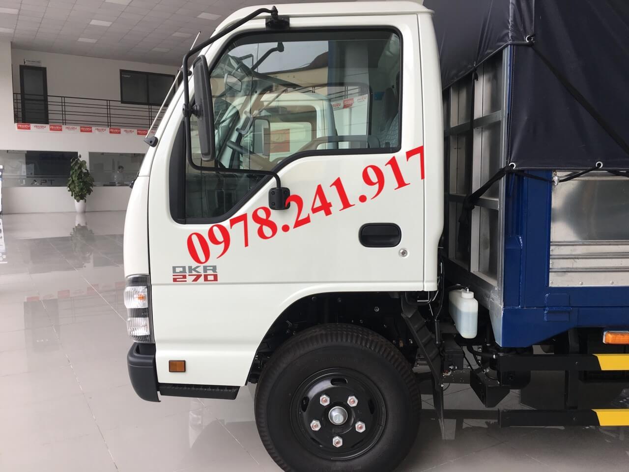 xe tải isuzu 2.9 tấn qkr77he4 cửa cabin