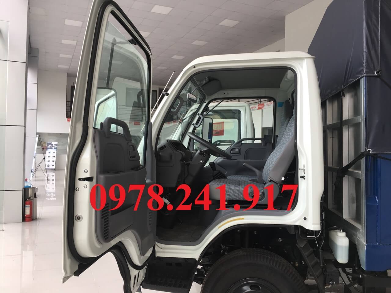 xe tải isuzu 2 tấn 9 cửa mở 90 độ