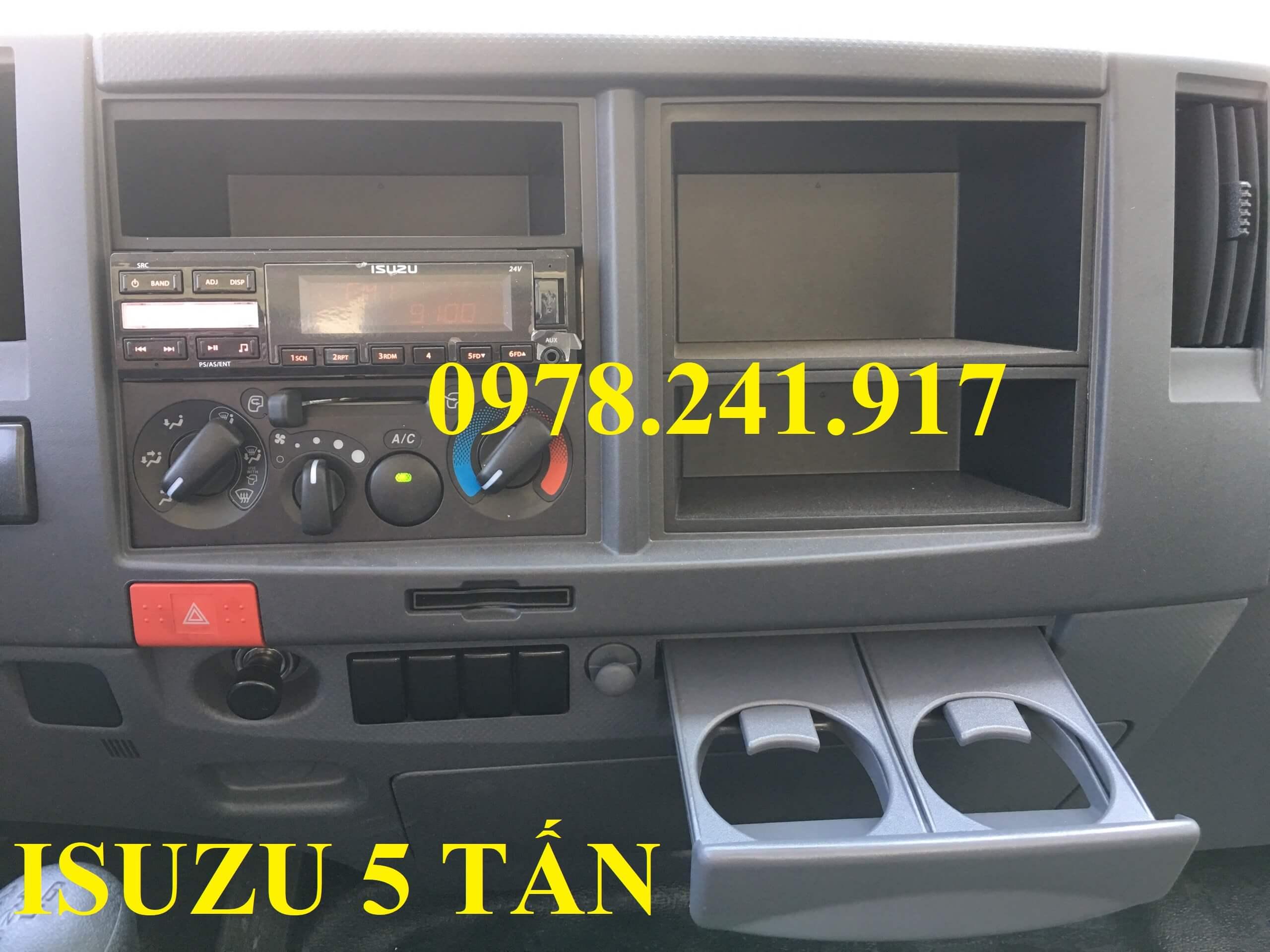 xe tải isuzu 5 tấn NQR75M bảng điều khiển trung tâm