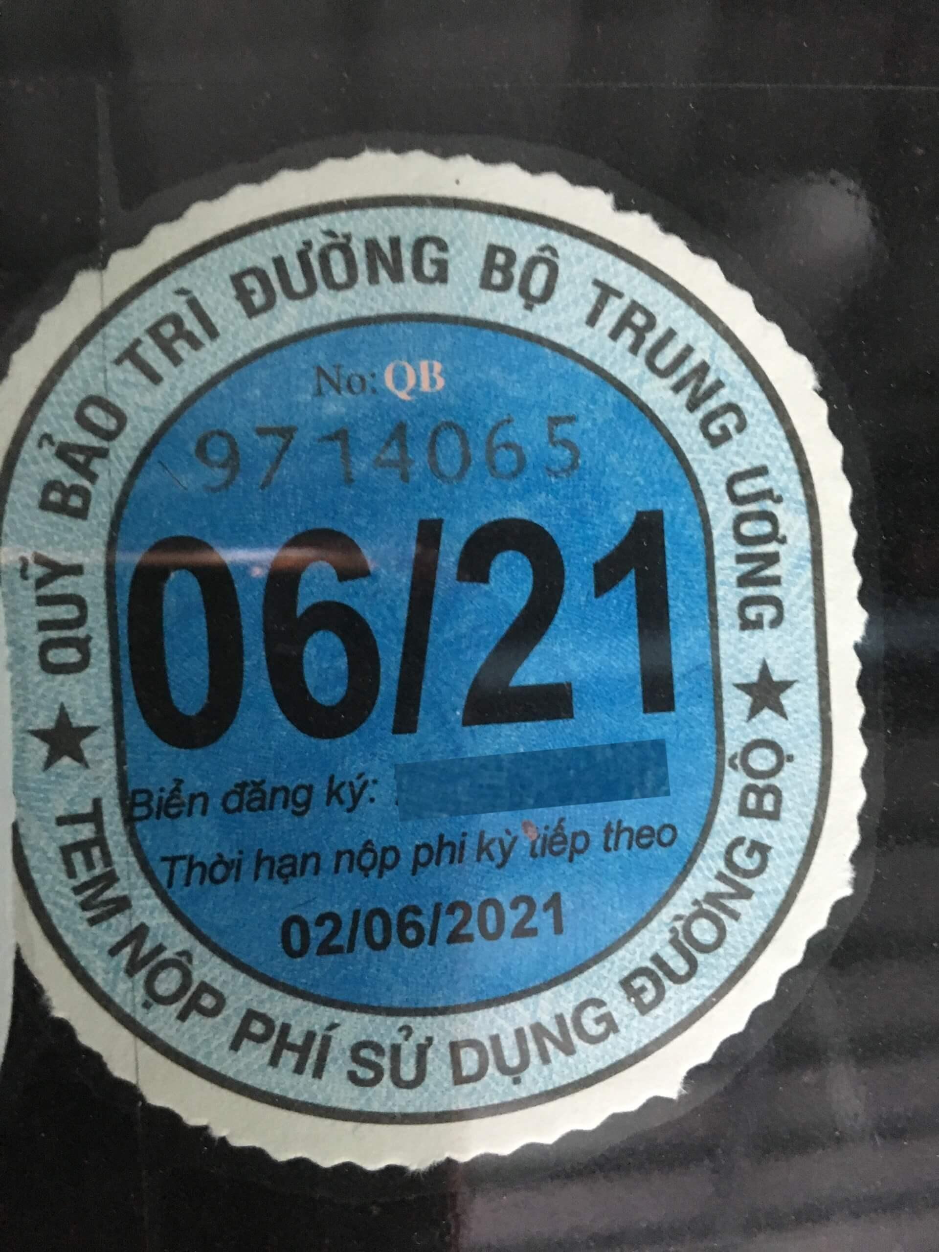 tem nộp phí sử dụng đường bộ